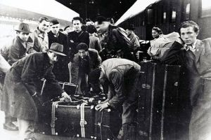 Jewish migrants arriving in Sydney in 1939